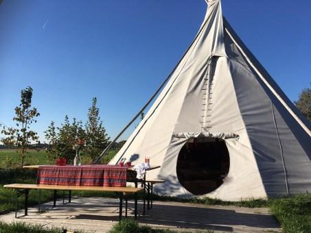 Origineel overnachten in een tipi tent