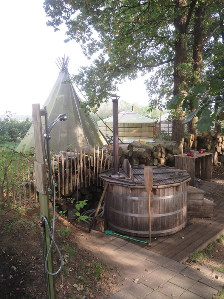 Origineel overnachten in een tipi tent3