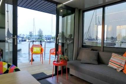 Slapen op een woonboot in Warns Friesland 10