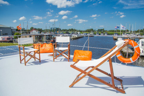 Slapen op een woonboot in Warns Friesland 3
