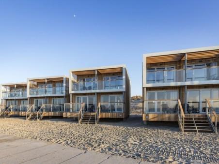 Slapen op het strand in een strandhuisje Landal Beach Villa Hoek van Holland 1