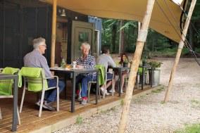 Slapen-in-het-bos-in-een-boshuisje-Veluwe-Buitenplaast-Beekhuizen-15