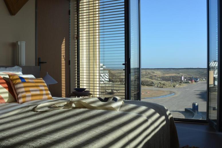 Strandhotel Zoomers Castricum met uitzicht op strand en zee 11