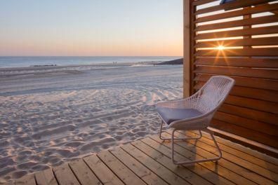 Bijzondere Overnachting Slapen op het strand in een strandhuisje noordzee resort vlissingen-beachhouses-2