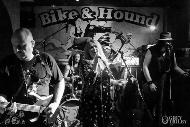 She Rox at the Bike'N'Hound