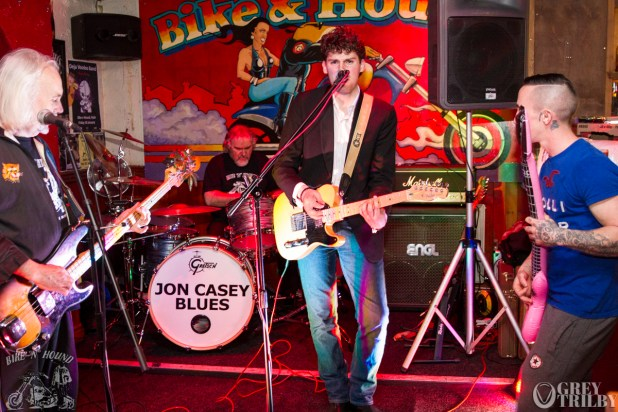 Jon Casey Blues at the Bike'N'Hound. Photography by Grey Trilby | Tobias Alexander