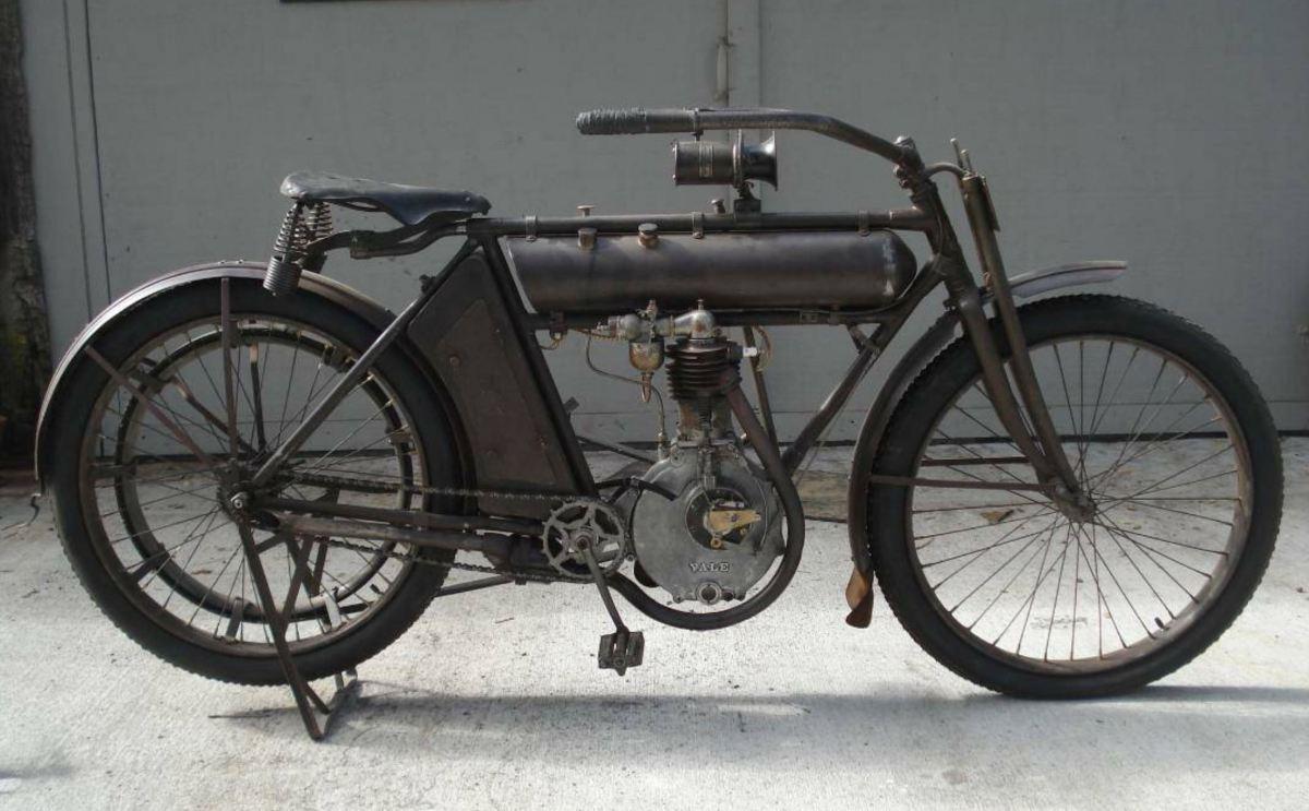 Early American 1911 Yale Single Bike Urious