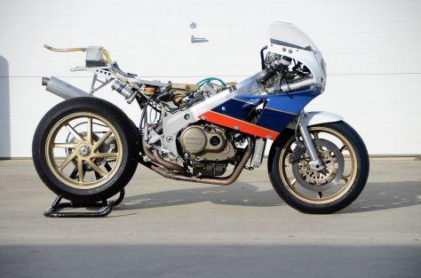 1988 Honda RC30 - Right Side Frame