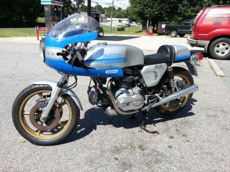 900SS Replica - 1976 Ducati 860GT - Left Side