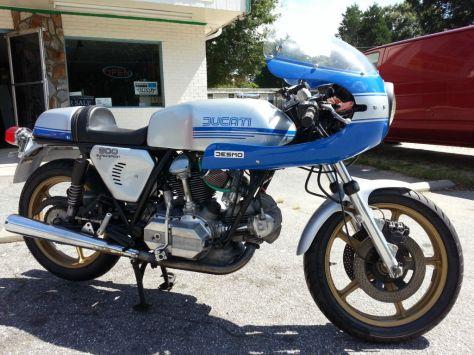 900SS Replica - 1976 Ducati 860GT - Right Side