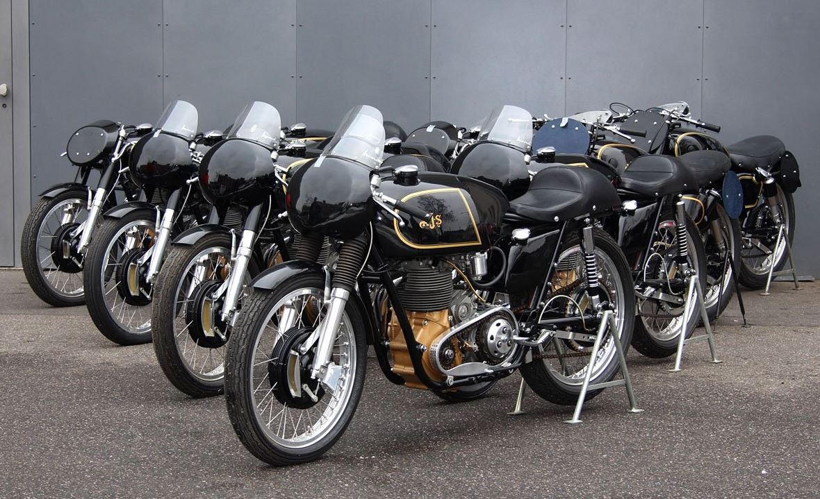 10 Boy Racers in Germany - Collection of AJS 7Rs