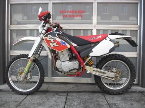 ATK 605 Enduro - Left Side