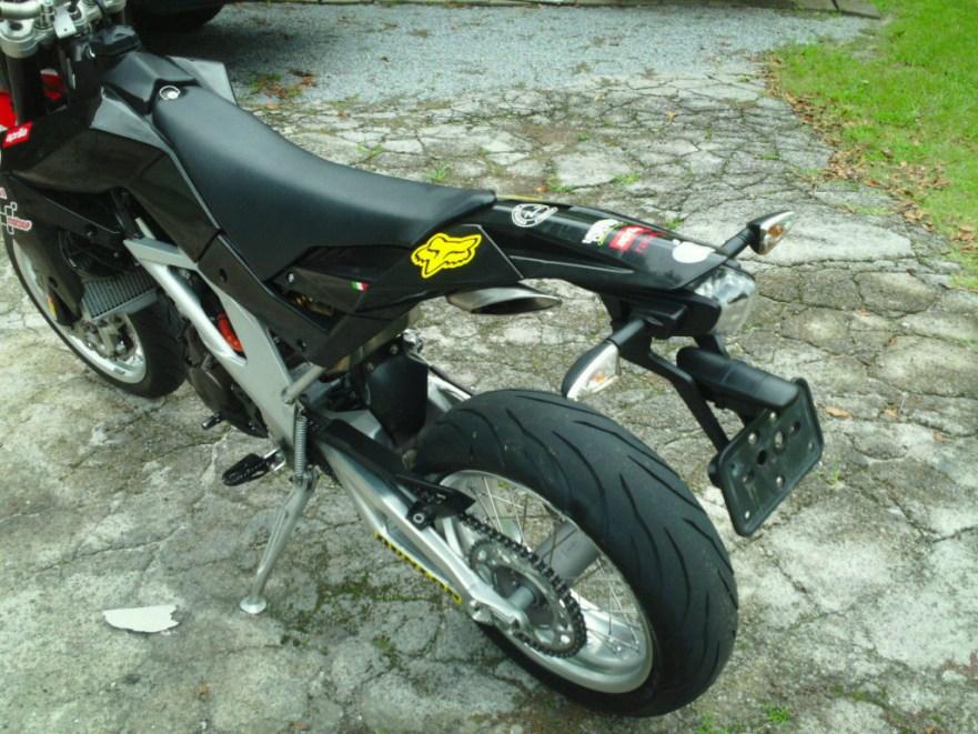 Aprilia SVX550 - Rear