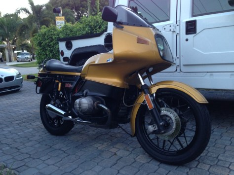BMW R100RS - Right Side