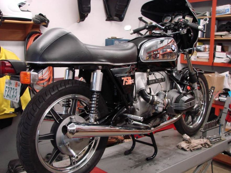 BMW R75-7 Cafe Racer - Right Rear