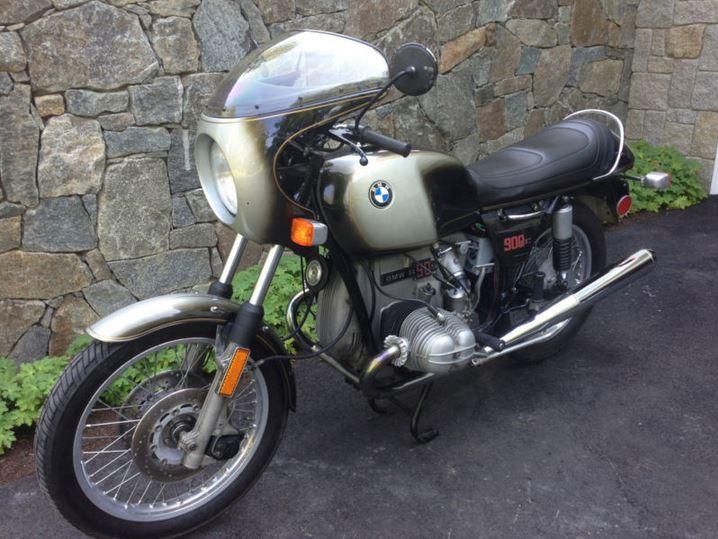 BMW R90S - Front Left