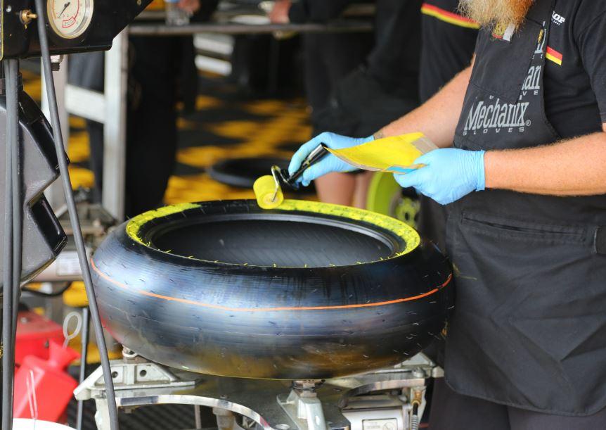 Bike-urious MotoGP Austin - Dunlop Qualifying Painting Tires