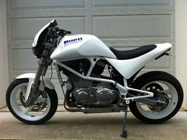Buell White Lightning - Left Side