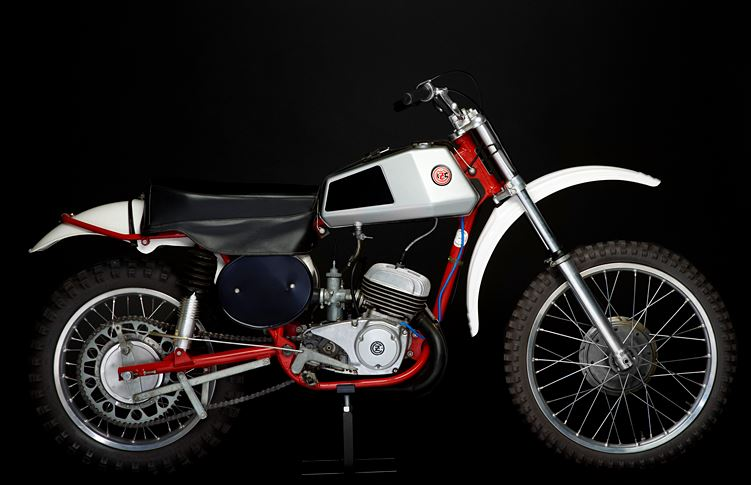 Photo from http://www.jonesmxcollection.com/Bike/cz-125-falta-1976
