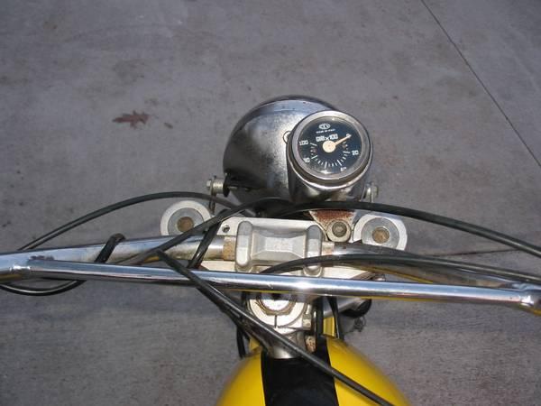 Ducati 450 RT Desmo - Cockpit