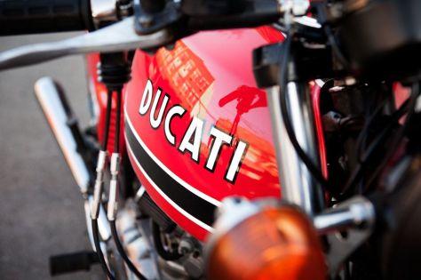 Ducati 750GT - Tank