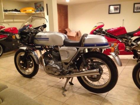 Ducati 900 SuperSport - Left Side
