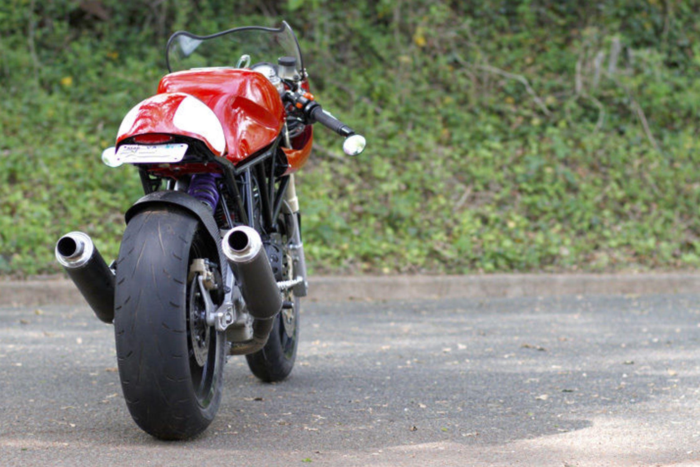 ending soon – 1993 ducati 900ss cafe racer | bike-urious