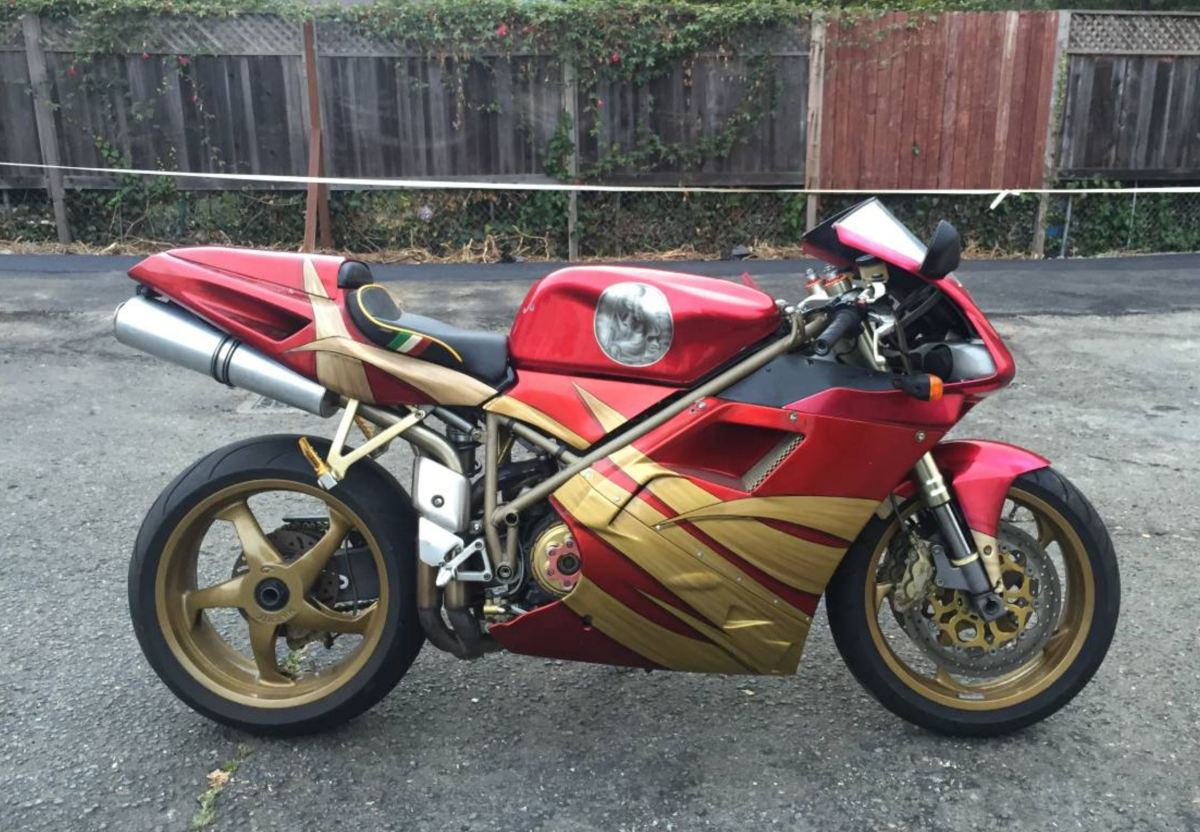 Movie Star - 2000 Ducati 996