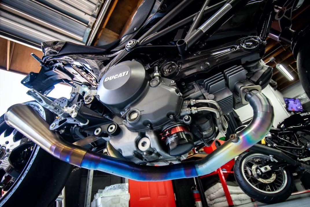 Clad in CF – 2012 Ducati Monster 1100 EVO