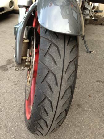 Ducati Monster 750 Si.e. - Tire