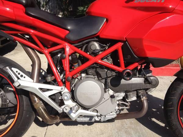 Ducati Multistrada 1100S - Engine