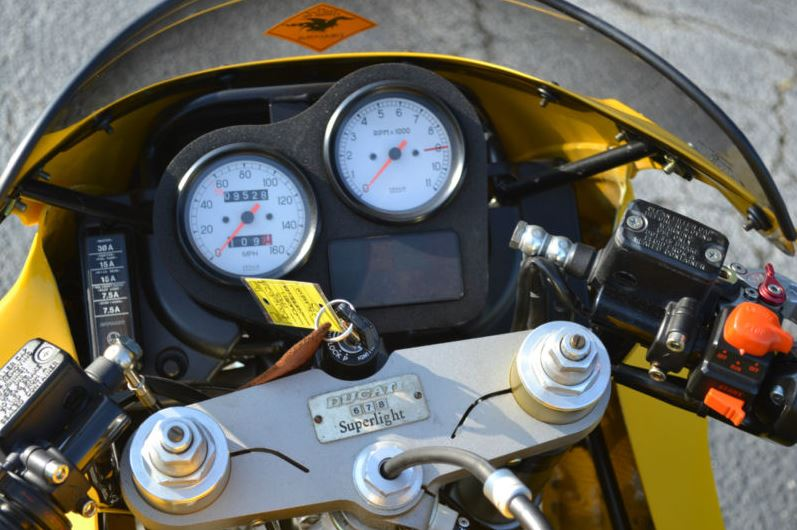 Ducati Superlight - Gauges
