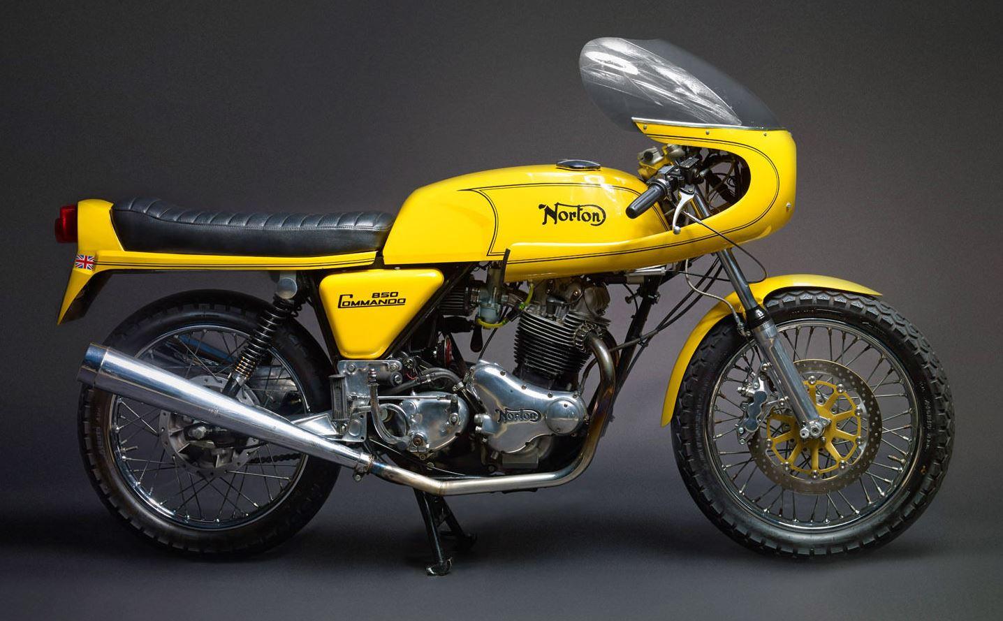 Dunstall Racer - 1974 Norton Commando 850 - Bike-urious