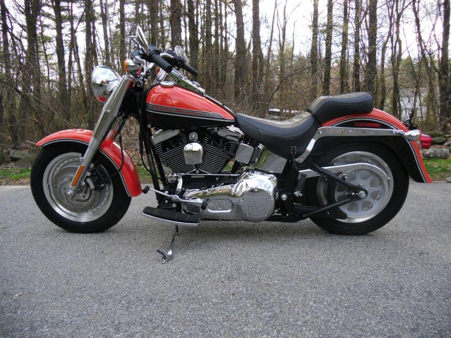 Edition très limitée !! Ford-Promotion-2004-Harley-Davidson-Fat-Boy-Left-Side