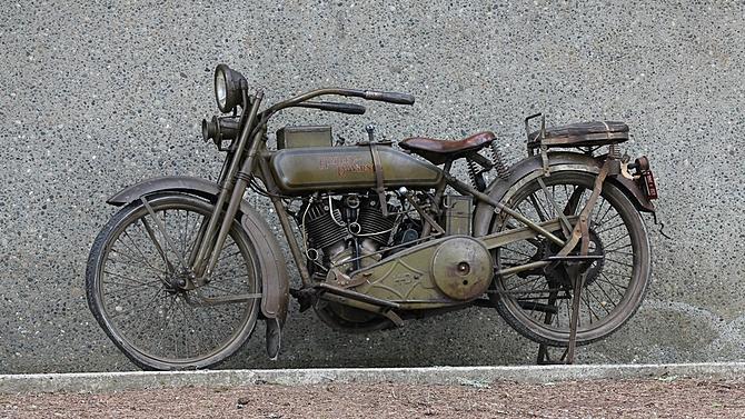 Harley-Davidson J-L20T - Left Side