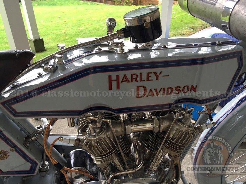 harley-davidson-model-11f-tank