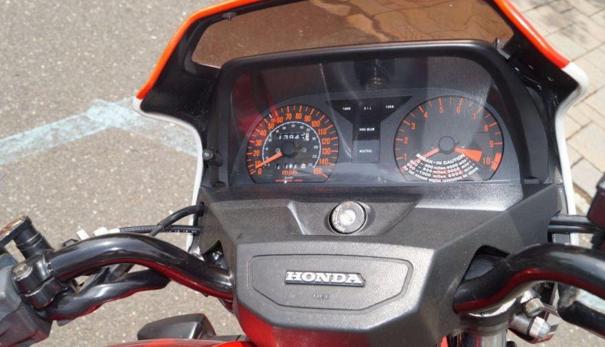 Honda CB1100F - Cockpit