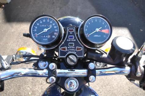 Honda CB400F - Gauges