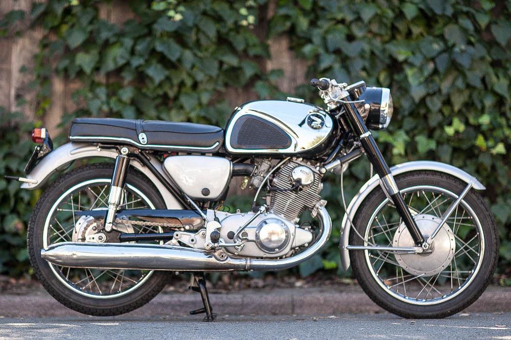 01147a6c50e 1962 Honda CB77 Super Hawk – Bike-urious