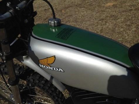 Honda CR250M Elsinore - Tank