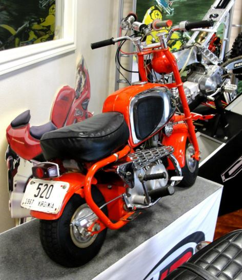 Honda CZ100 - Right Rear