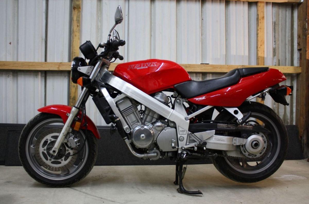 10,993 Miles - 1990 Honda Hawk GT