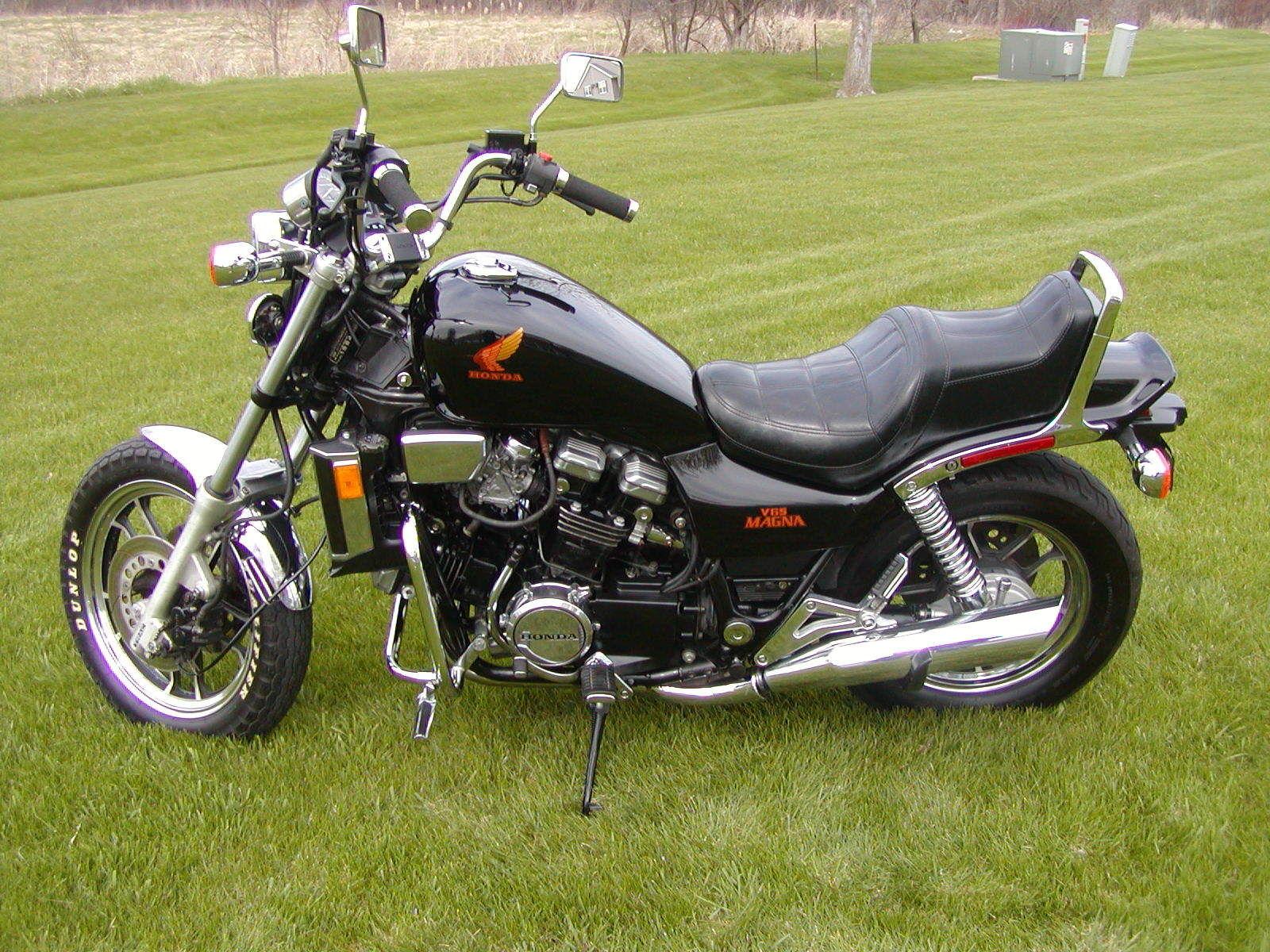 honda magna  bike urious