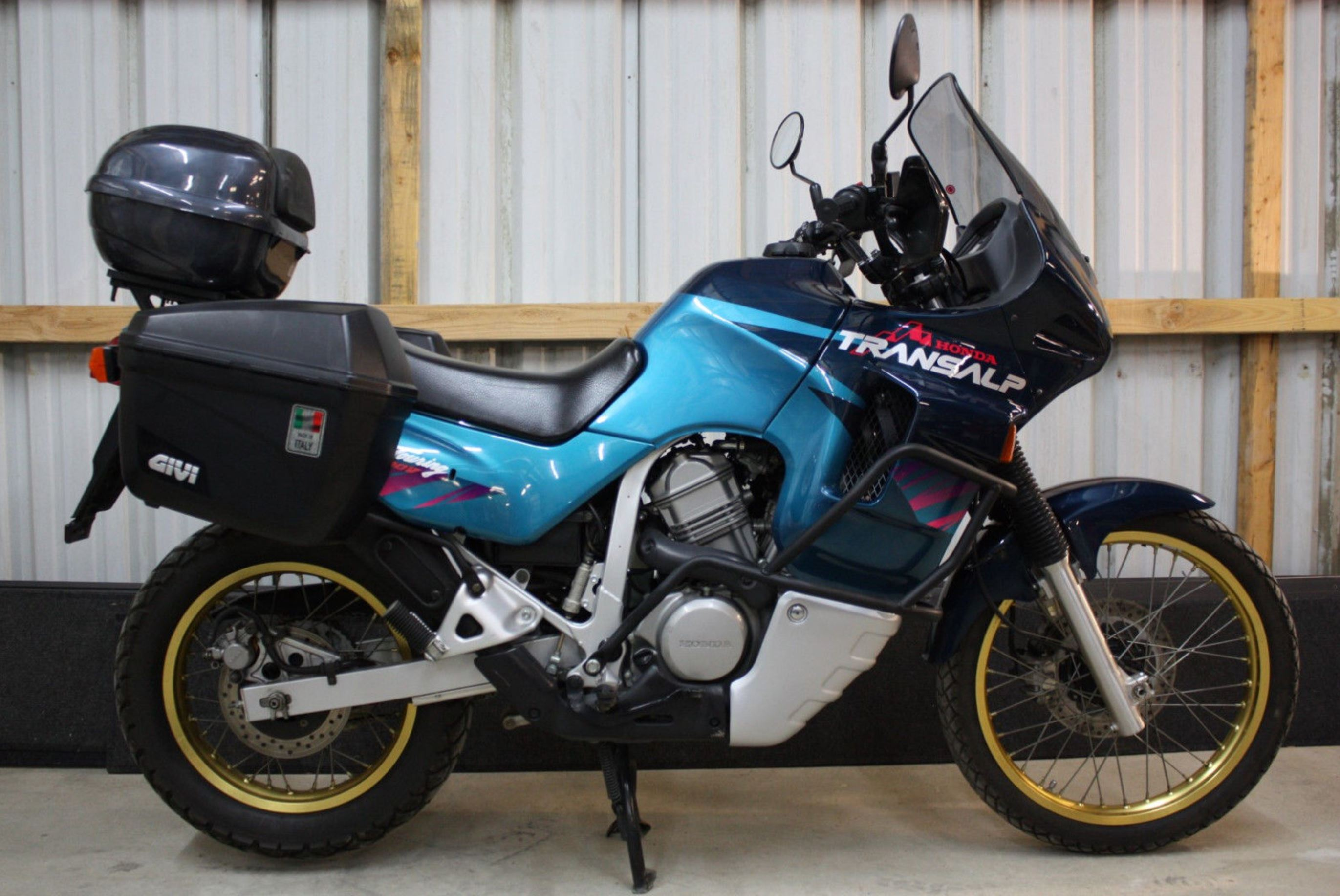 rare dual sport 1995 honda transalp xl400v bike urious. Black Bedroom Furniture Sets. Home Design Ideas