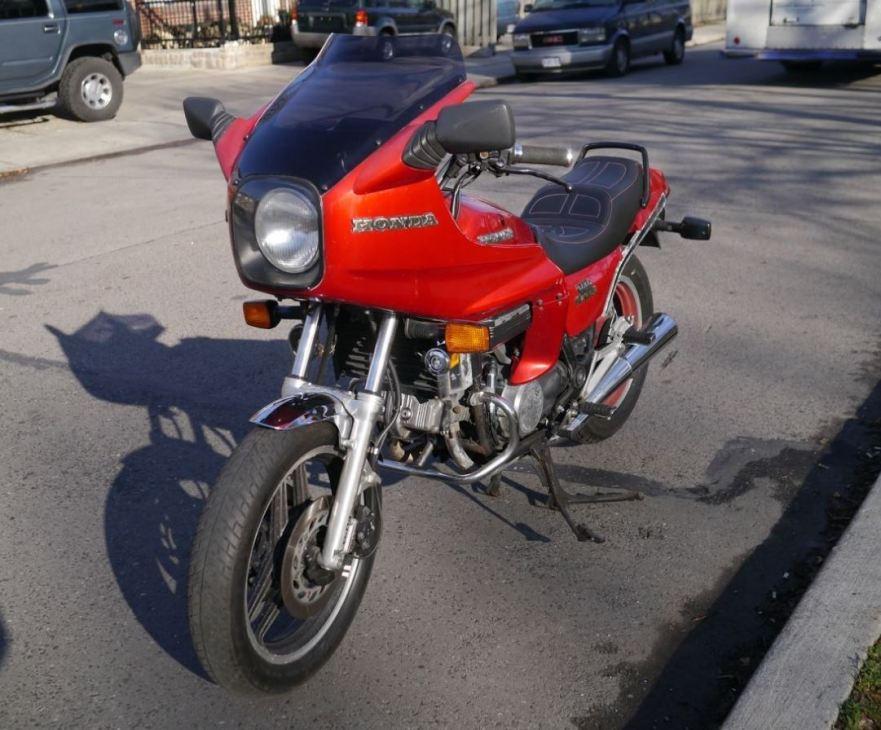 Hondaline Fairing In Canada 1982 Honda V45 Sabre Bike