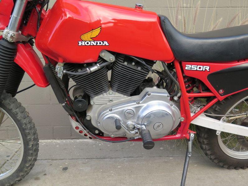honda-xl883-engine