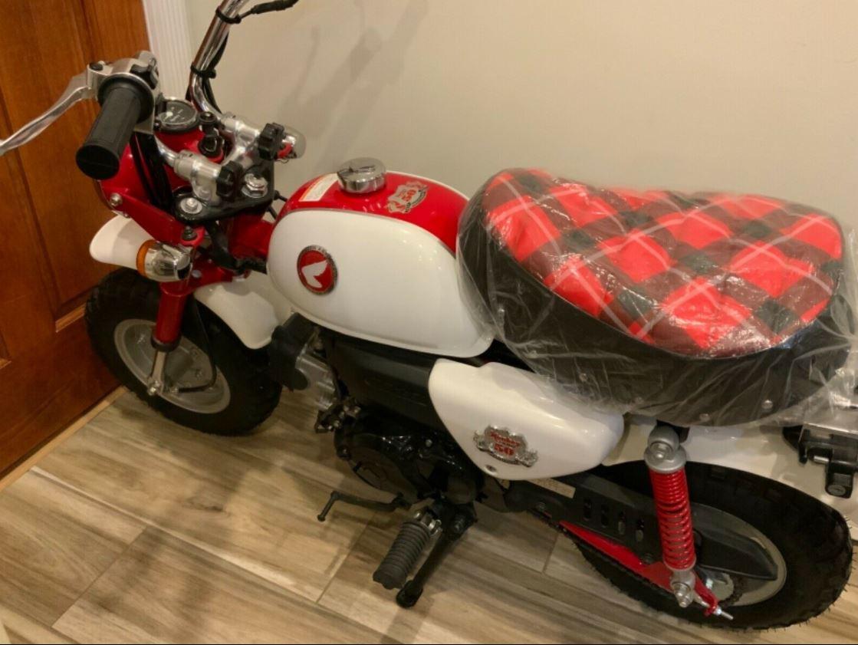 2017 Honda Z50 50th Anniversary Bike Urious 2017 honda z50 monkey 50th anniversary
