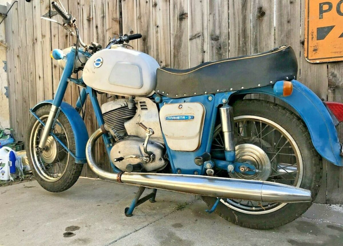 Russian Project - 1973 IZH Planeta 3