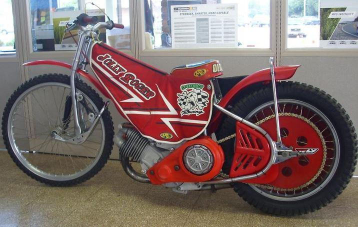 Jawa Speedway - Left Side