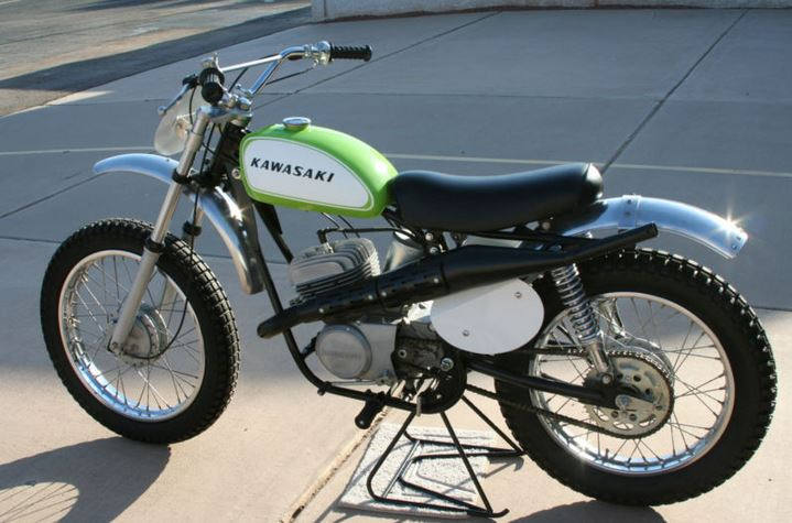 Kawasaki Green Streak F21M - Left Side